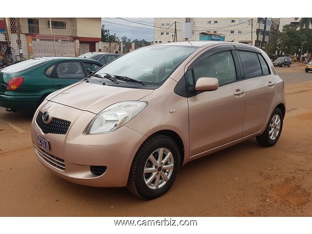2007 full option toyota yaris a vendre automatique voitures yaounde cameroun. Black Bedroom Furniture Sets. Home Design Ideas