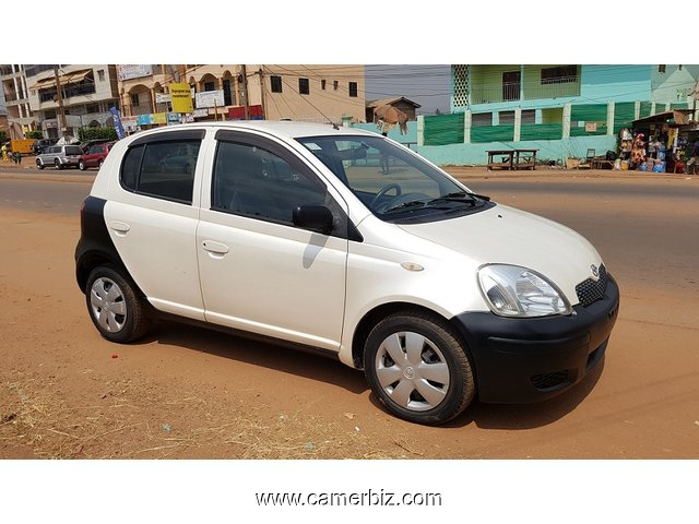 2005 BELLE BLANCHE TOYOTA YARIS FULL OPTION AUTOMATIQUE A VENDRE - 1947
