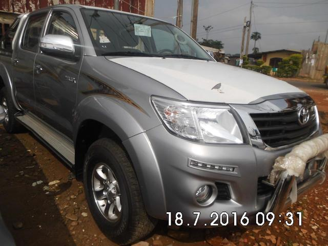 Toyota Hilux Pick-up  - 220