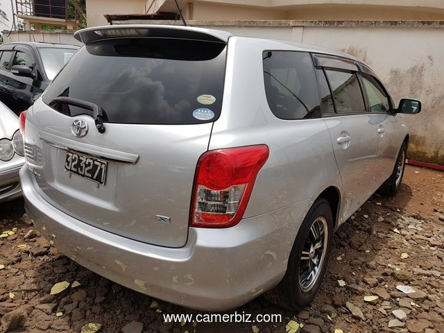 NirousAuto 2010 Toyota Corolla Fielder Full Option   Automatique  A Vendre - 2323