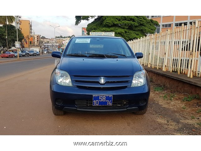 Belle 2006 Toyota Ist a Vendre - 3543