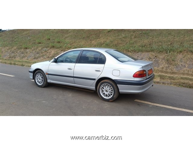 2000 Toyota Avensis Full Option a vendre - 4335