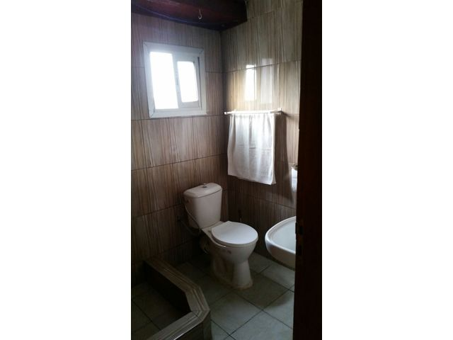 Location appartement meuble 2 chambres climatisees akwa for Appartement meuble douala