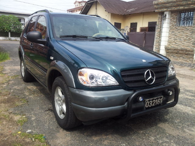 5 2 00 000fcfa mercedes ml320 version 2001 occasion d allemagne full option voitures douala. Black Bedroom Furniture Sets. Home Design Ideas