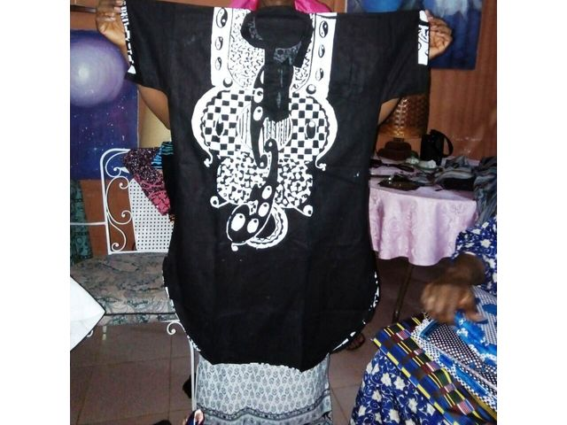 African wears for sale/Vêtements africains à vendre - 939